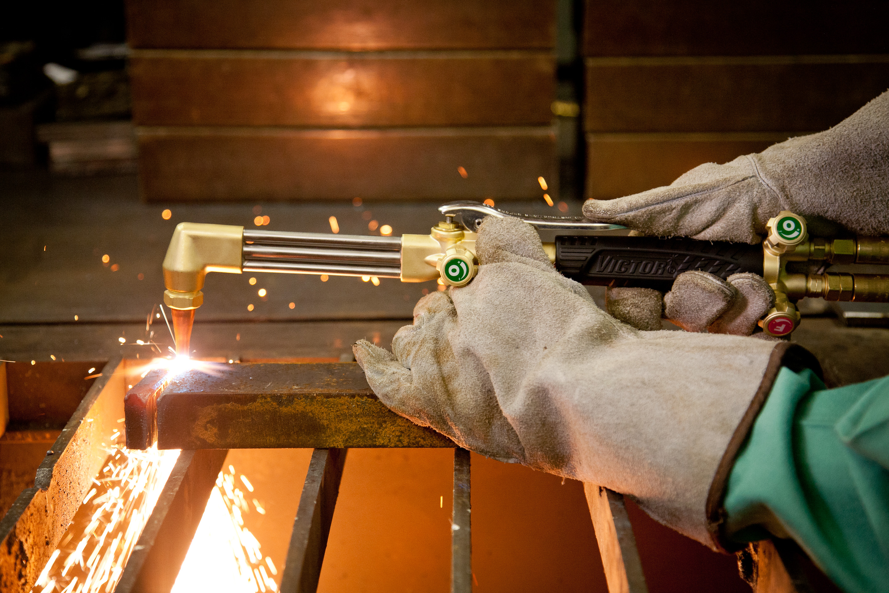 how to cut with oxy acetylene torch